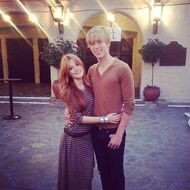Bella-thorne-with-boyfriend-LOVE