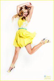 Caroline-sunshine-2013JustJaredphotoshoot-(3)