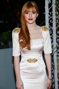BellaThorne12thMovieGuideAwards(2)