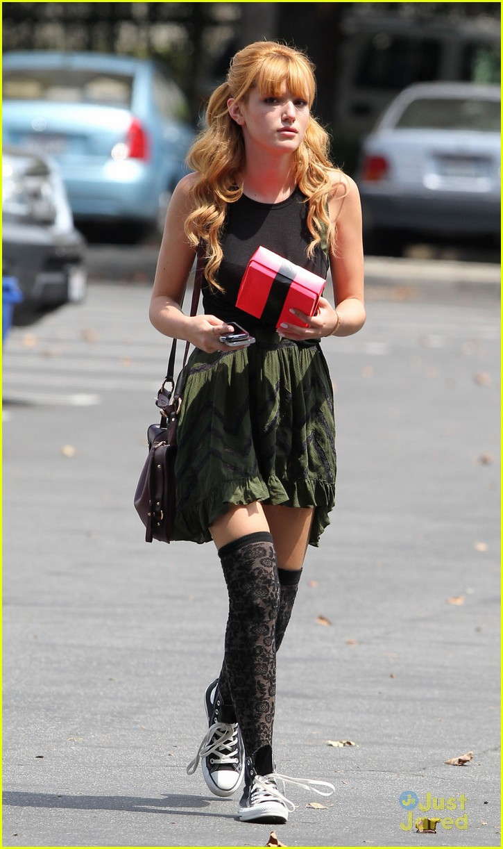 Bella Thorne Outfits 2013