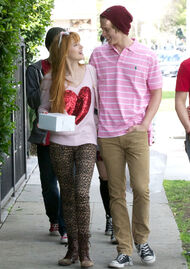 Bella-thorne-with-boyfriend (6)