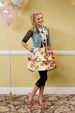 Olivia-Holt-Shake-It-Up