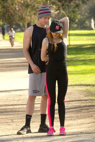 Bella-thorne-run with boyfriend