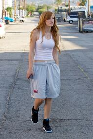 Bella-thorne-swag-street