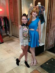 Bella-thorne-in-blue (2)