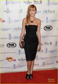 Bella-thorne-image-awards-2013-JustJared2013-(4)