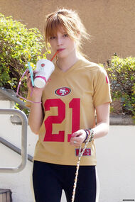 Bella-thorne-21shirt