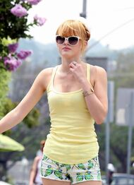 Bella-thorne-yellow-top-hawaii-style-shorts