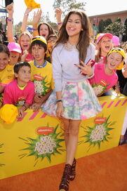 Zendaya-coleman-at-the-kids-choice-awards