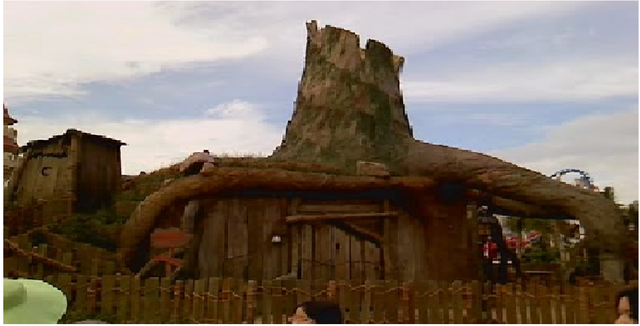 File:Shreks house.png