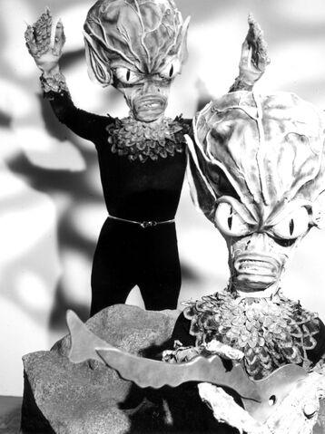 File:Invasion of saucer men 03.jpg