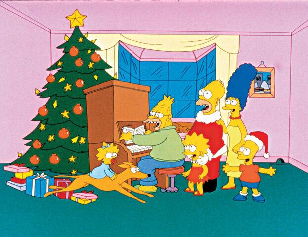 File:Simpsons Roasting on an Open Fire promo.jpg