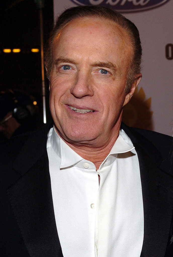 The 78-year old son of father Arthur Caan and mother Sophie Caan, 176 cm tall James Caan in 2018 photo