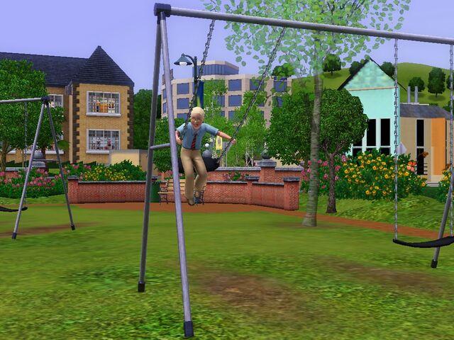 File:Malcolm TS3 Swing.jpg