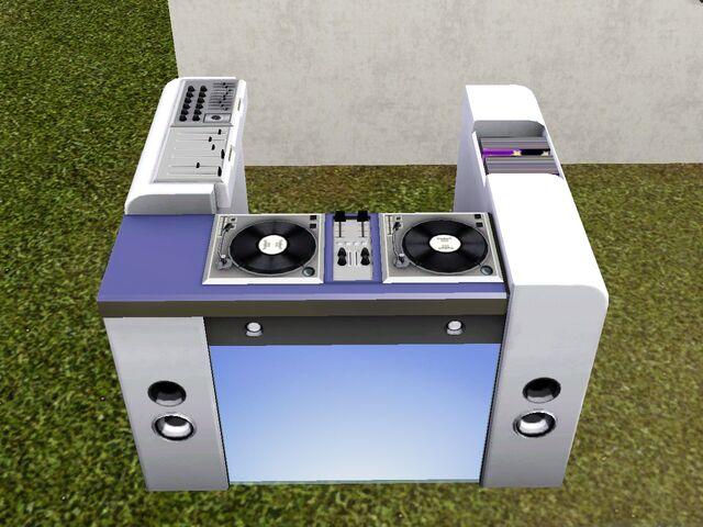File:Freestyle DJ Booth.jpg