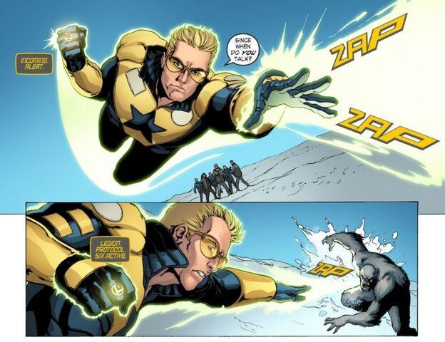 File:Blue Gold Booster Gold Smallville sm s11 5-adri280891.jpg