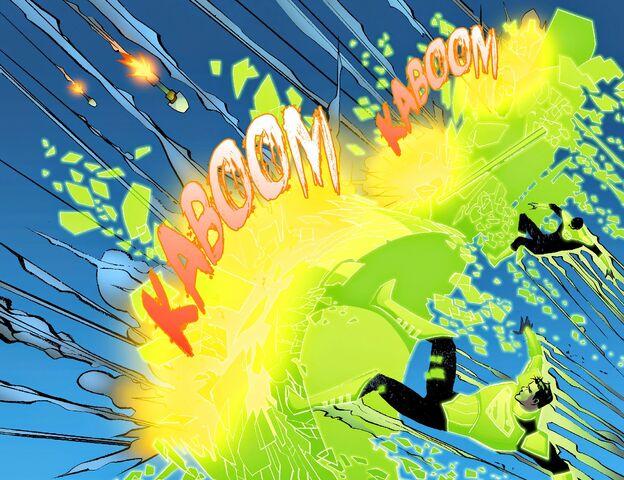 File:JK-Smallville - Lantern 005-010.jpg