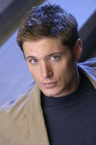 File:Jensen Ackles Smallville Promotional 1-36.jpg