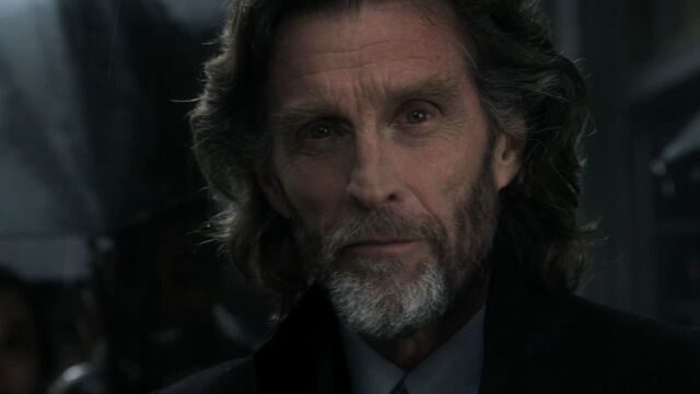 File:Lionel Luthor Smallville Earth-2.jpg