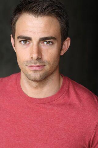 File:Jonathan Bennett imdb-2013-09-18b.jpg