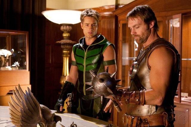 File:Green Arrow SV TV s09 Green Arrow and Hawkman.jpg