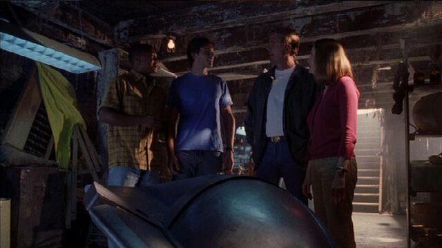 File:Smallville s02e03 591.jpg