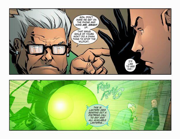 File:Smallville - Lantern 008-009.jpg