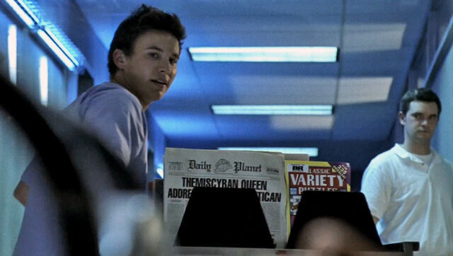 File:Daily Planet newspaper Smallville 3x09 Asylum Themyscira.jpg