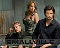 File:Smallville. Oliver Queen, Lois Lane, and Clark Kent.jpg