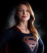 Supergirl-Melissa Benoist-2