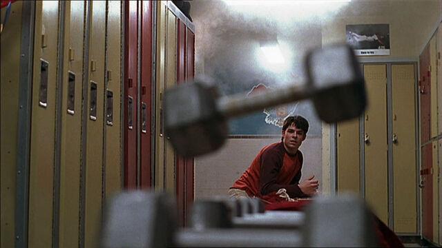 File:Troy-Turner-1x10-04.jpg