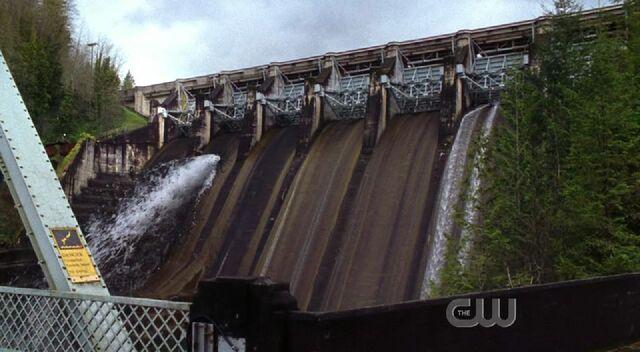 File:Phantom reeves dam leak.jpg