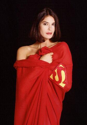 File:Lois-cape.jpg