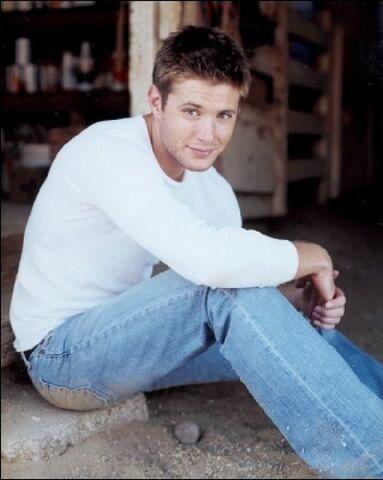File:Jensen Ackles Alyson Dyer 2004-03.jpg