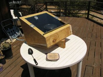 Becker's Do-It-Yourself Solar Cooker