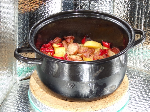 File:UltraLightCooker Traveller-20.jpg