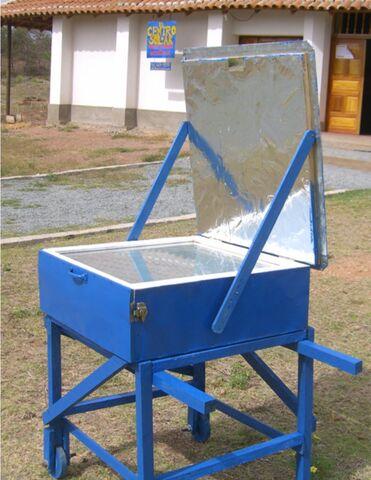 File:Grupo Fenix Solar Oven.jpg