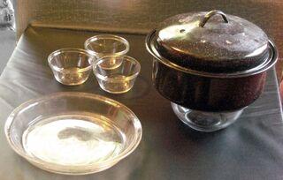 Glass bowls as pot stands