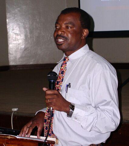 File:Norman Mhazo Nairobi 2005.JPG