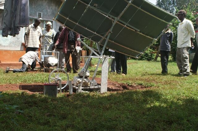 File:Kenya Solar Concentrator 3.jpg .jpg