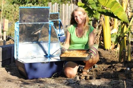 File:Lasagne in the solar oven2.jpg