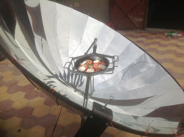 File:Solar cooker marokko.JPG