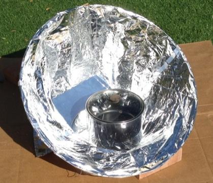 File:Haines Pop-open Solar Cooker.jpg