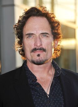 Kim-coates-premiere-sons-of-anarchy-season-4-01