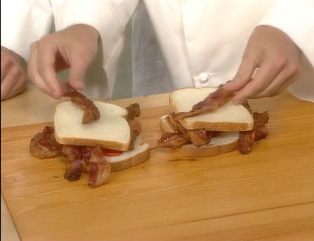 File:Bakin Bacon w Macon 3.png
