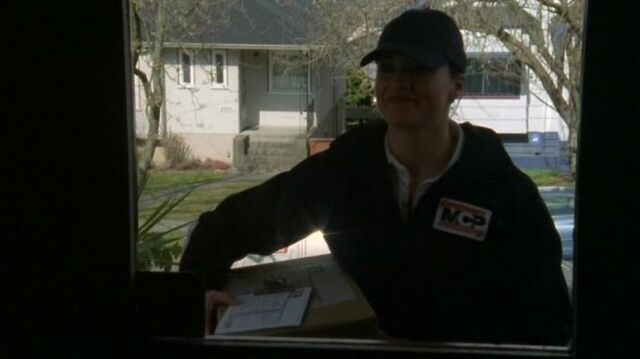 File:Delivery Woman.jpg