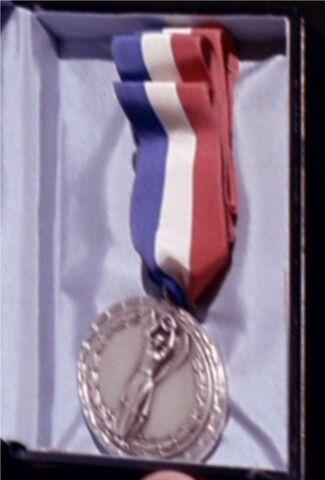 File:Kirks medal of honor 2267.jpg