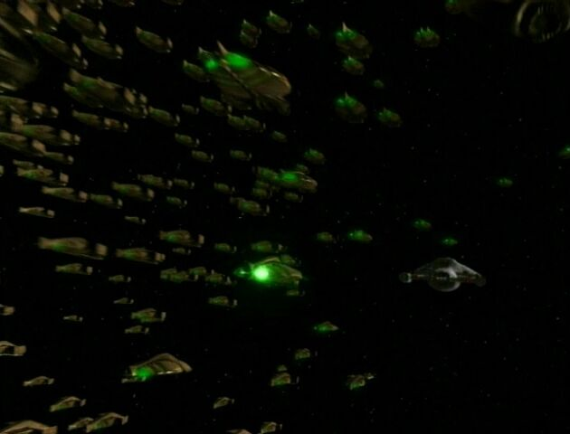 File:The Swarm pursues Voyager.jpg