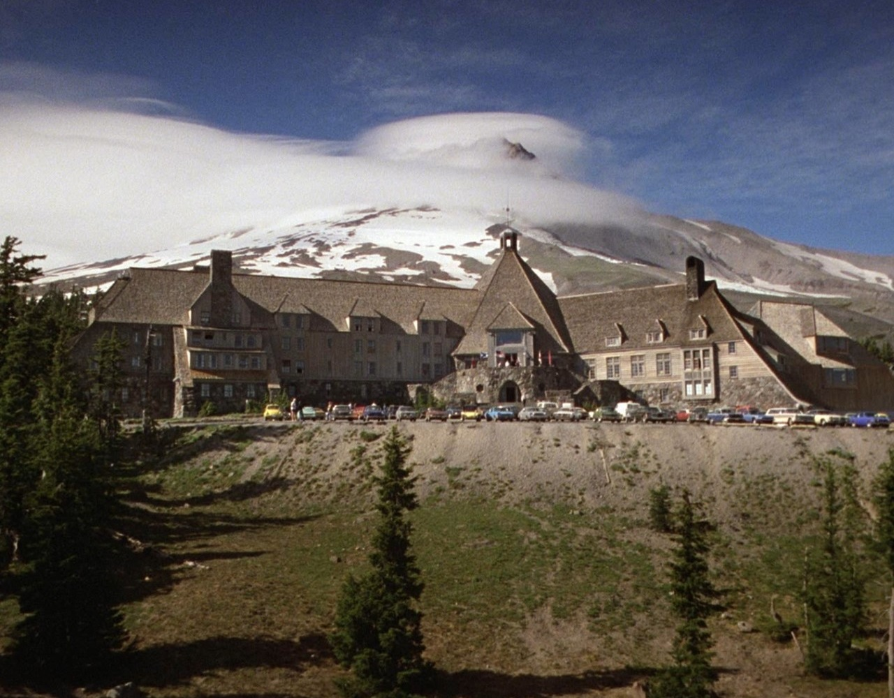 Overlook hotel stephen king wiki fandom powered by wikia - Maison mountain range irving smith jack ...