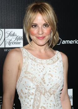 emma caulfield 2016